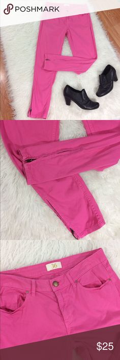 "Zara pink jeans w Ankle zippers Feminine pink with a touch of edge.   Size 4 Waist 14.5"" Rise 8.5"" Inseam 25"" Good condition, light white line on waistband, not noticeable if you wear a belt, most shirts will also cover this. Very faint! Zara Jeans Skinny"