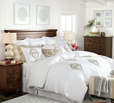 White and light- Alyssa Embroidered Duvet Cover & Sham