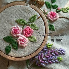 Rose . Stitch book renewal 작업중. No.4. Bullion stitches.  스티치북 수업 추가모집중.  #프랑스자수 #자수타그램 #스티치북수업 #상암자수수업 #수놓는녀자 #NjHan #embroidery #stitch #needlework