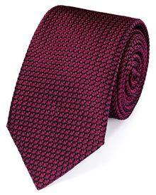 Buy our Dark pink silk plain grenadine luxury tie exclusively from Charles Tyrwhitt of Jermyn Street, London. Tie A Necktie, Luxury Ties, Charles Tyrwhitt, Tie And Pocket Square, Pink Silk, Latest Fashion Clothes, Silk Ties, Mens Fashion, Dark Fashion