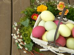 Are you looking for a Natural Alternative to Easter Egg Dye?  A few years ago