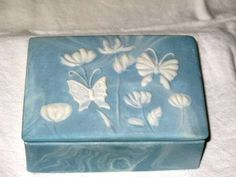INCOLAY TRINKET BOX WITH BUTTERFLIES BY R.  NERMITH  - VINTAGE