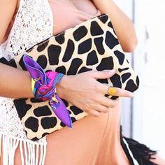 One of my fav accessories: Bandanas around the wristWhat do you think? | Uno de mis accesorios preferidos: los pañuelos anudados a la muñeca¿Os gustan? #seamsforadesire #details ❌❌TAP FOR DETAILS❌❌