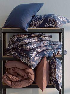 Pussilakanasetti Kimiko 54,95 #pussilakanasetti #makuuhuone #hemtex Bed Pillows, Cushions, Bed Sets, Soft Furnishings, Bedding Sets, Duvet, Comforters, Pillow Cases, Satin