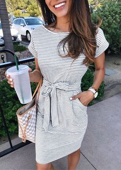 Striped Short Sleeve Pocket Casual Dress - Kleider - Best Of Women Outfits Fashion Images, Look Fashion, Fashion Beauty, Autumn Fashion, Latest Fashion, Female Fashion, Fashion Online, Cheap Fashion, Fashion Trends