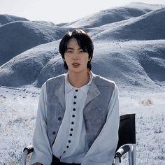 Namjin, Jin Icons, Worldwide Handsome, Blue Aesthetic, Bts Jin, Bts Photo, Bts Wallpaper, Seokjin, Pretty People