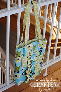 Two Tone Ruffle Tote | FaveQuilts.com
