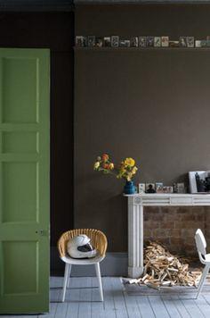 farrow-ball salon drab and yeabridge green Farrow Ball, Farrow And Ball Paint, Hallway Decorating, Entryway Decor, Green Colors, Colours, Relaxing Colors, Brown Carpet, Grey Carpet