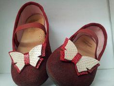 Mariposas para zapatos de niña.