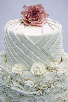 Bite Me Bakery - Premium Wedding Cake Designer