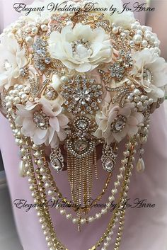 CUSTOM GOLD, ROSE GOLD BRIDAL BROOCH BOUQUET - $599.00 Total Price *** $399 is a Deposit Only, Remaining $200 Balance due @ completion*** ____DETAILS__________ Custom Vintage Inspired Pink, Ivory and Gold Bridal Brooch Bouquet. Brooch, Jeweled Bouquet is all handmade, 27 in circumference (Lg size Bouquet), Very full, Very glam and made with only the best quality supplies, brooches and materials. All handmade in my California Design Studio. This Design can be customized and made to order…