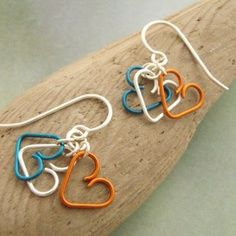 My Three Sweet Hearts Earrings in Silver, Blue and Amber Wire Crafts, Bead Crafts, Jewelry Crafts, Jewelry Ideas, Wire Wrapped Earrings, Wire Earrings, Metal Jewelry, Beaded Jewelry, Homemade Jewelry