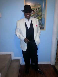 black tie? white jacket!