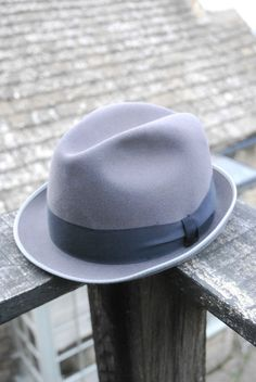 Vintage 60 s Windsor Mark Grief Grey Fur Felt Stingy Fedora Trilby Hat UK 6 7/8