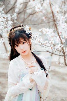 Cute Asian Girls, Beautiful Asian Girls, Cute Girls, Ancient Beauty, China Girl, Oriental Fashion, Hanfu, Cheongsam, Ulzzang Girl