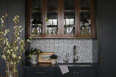 Kitchen Cabinets Decor, Home Decor Kitchen, Kitchen Interior, Kitchen Ideas, Kitchen Pantry, Kitchen Stuff, Kitchen Inspiration, Kitchen Designs, Rustic Kitchen