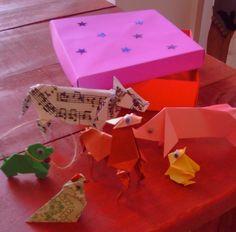 animales de granja en caja en origami