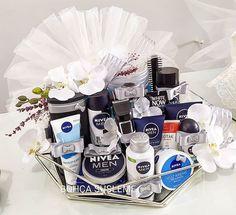 Indian Wedding Gifts, Creative Wedding Gifts, Desi Wedding Decor, Wedding Gift Baskets, Wedding Gift Wrapping, Wedding Gift Boxes, Gift Box For Men, Gift Baskets For Men, Diy Gifts For Him