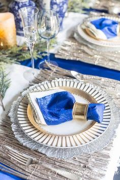These blue and white indoor Christmas decorating ideas are so elegant! The Christmas tree decorations look gorgeous in the living room and the table setting is beautiful. #fromhousetohome #christmas #christmasdecor #blueandwhite #christmasdecoratingideas  #bluechristmasdecor Blue Christmas Decor, Christmas Decorations For The Home, Christmas Table Settings, Christmas Tablescapes, White Christmas, Tree Decorations, Christmas Fireplace, Christmas Mantels, Christmas Home