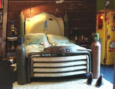 Old Car Parts Repurposed - Upcycled Truck Bed Frame - DIY Projects & Crafts…