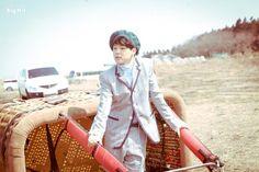 지민의 Young Forever [스타캐스트] 청춘을 노래하는 방탄소년단의 마지막 이야기, <화양연화 Young Forever> 자켓 사진 촬영장! :: 네이버 TV연예