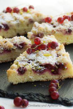 Johannisbeer-Mandelkuchen mit Mandel-Pistazien-Streuseln - Red Currant-Almond-Cake - Zimtkeks und Apfeltarte
