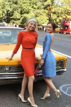 Serena van der Woodsen and Blair Waldorf - Serena and Blair are best friends in Gossip Girl. Gossip Girl Blair, Gossip Girls, Moda Gossip Girl, Vanessa Gossip Girl, Prada Marfa Gossip Girl, Gossip Girl Serena, Estilo Gossip Girl, Gossip Girl Outfits, Gossip Girl Fashion