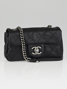 c3c4abec980a 13 Best Chanel Diamond Stitch Tote images | Fashion handbags ...