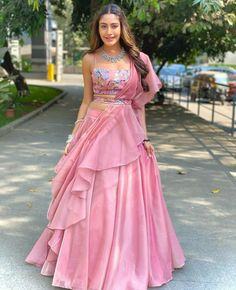 Party Wear Indian Dresses, Indian Wedding Gowns, Designer Party Wear Dresses, Indian Gowns Dresses, Indian Bridal Outfits, Party Wear Lehenga, Indian Bridal Fashion, Indian Fashion Dresses, Dress Indian Style