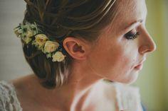 boho rustical bride panna młoda kwiaty we włosach http://www.nieobiektywni.pl/2014/07/04/ewa-kuba-fotograf-slubny-lublin/