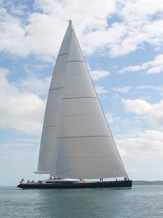 Purchase your offshore, bluewater and coastal yacht sails wholesale and get discounts of up to 50 percent