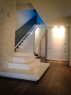 Scala-in-resina - On Design Store Staircase Design, Modern House Design, Stairways, Sweet Home, Villa, New Homes, Interior Design, Home Decor, Luxurious Homes