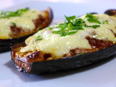 Greek stuffed Eggplant recipe with beef and cheese (Melitzanes Papoutsakia)