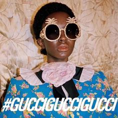 Atenta: não é só na piña colada que o seu verão será dominado pelo abacaxi. Depois do coração chega a vez da fruta invadir a sua coleção de óculos de sol! Injete uma dose extra de brilho e fun fun fun nos seus looks tropicais com os sunnies da @gucci que cobertos de glitter. Queremos! #glamourapresenta #gucciguccigucci via GLAMOUR BRASIL MAGAZINE OFFICIAL INSTAGRAM - Celebrity  Fashion  Haute Couture  Advertising  Culture  Beauty  Editorial Photography  Magazine Covers  Supermodels  Runway…