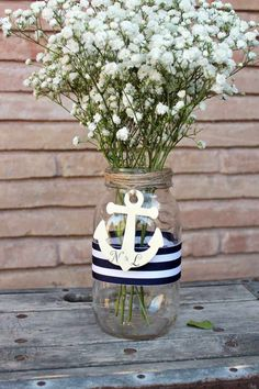 Moderne Deko Idee – Einweckglas mit Anker dekoriert Modern decoration idea – mason jar with anchor decorated This image has. Anchor Centerpiece, Nautical Wedding Centerpieces, Bridal Shower Centerpieces, Jar Centerpieces, Centerpiece Ideas, Centerpiece Flowers, Anchor Wedding Decorations, Nautical Wedding Decor, Birdcage Centerpieces