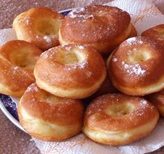 Elronthatatlan szalagos fánk - Blikk Rúzs Donut Recipes, Cake Recipes, Dessert Recipes, Cooking Recipes, Healthy Recipes, Hungarian Desserts, Hungarian Recipes, Baking Muffins, Sweet Cakes