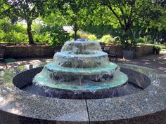 Garden Fountain Design Ideas That You Can Try In Your Home 31 Large Outdoor Fountains, Small Fountains, Garden Fountains, Water Fountains, Water Wall Fountain, Water Fountain Design, Fountain Ideas, Fountain Plaza, Outdoor Water Features