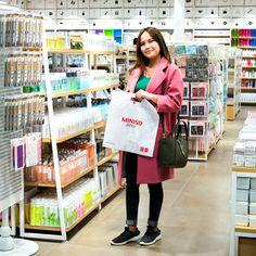 Японский бренд #MINISO предлагает своим покупателям очень широкий спектр товаров, начиная от косметики и заколочек для волос и заканчивая электроникой Все товары, в соответствии с принципами работы бренда, имеют отличный внешний вид, высокое качество и низкую стоимость☺️☺️☺️ Люби жизнь люби #MINISO Mega 2 на Розыбакиева Алматы 1 этаж Mega Silk Way Астана 1 этаж Молл «Апорт» Алматы ☎️+77273121731 ТРЦ «Максима» Алматы ☎️ +77272206524 #minisomega #almaty #MEGA #music #праздник #наушники…
