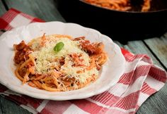 Gyerekkorunk kedvence, amit a mai napig nem lehet megunni. Tortellini, Pasta Recipes, Spaghetti, Meat, Chicken, Ethnic Recipes, Food, Cooking, Essen