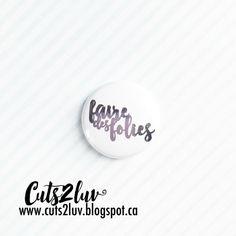 Badge 1 Faire des folies métallique lilas par Cuts2luv sur Etsy