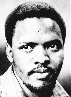 Stephen Bantu Biko — South African anti-apartheid activist, first as a student and later as founder of the Black Consciousness Movement which would empower & mobilize much of the urban black population. Steve Biko, Civil Rights Leaders, Apartheid, Vietnam Veterans Memorial, African History, Black Is Beautiful, Revolutionaries, The Guardian, Human Rights