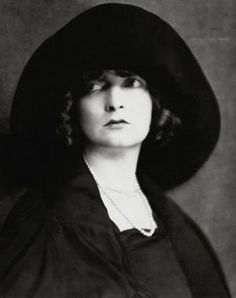 estelle winwood bewitched