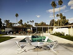 Nice Palm Springs Headed Your Way In March! Yay! (loving The Bertoia Chaise  Lounges) | Favorites Places | Pinterest | Palm Springs, Palm And Slim Aarons