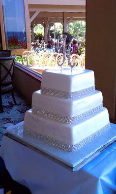my favorite wedding cake...simple but extremely elegant. my sisters wedding cake