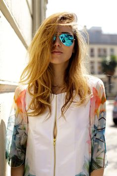 reflective aviator glasses #ChiaraFerragni #TheBlondeSalad