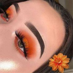60 Sexy And Gorgeous Eye Shadow Ideas You Must Try 2019 - Page 44 of 60 - Chic Hostess #EyeMakeupGlitter Makeup Trends, Makeup Inspo, Makeup Inspiration, Makeup Ideas, Makeup Designs, Glam Makeup, Skin Makeup, Eyeshadow Makeup, Eyelashes Makeup