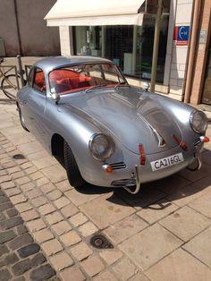 Silver Porsche 356 love the leather straps! Porsche Panamera, Porsche 356 Speedster, Porsche Classic, Classic Sports Cars, Classic Cars, Retro Cars, Vintage Cars, Porsche 356 Outlaw, Automobile