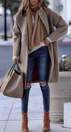 how to style a cashmere scarf   top nude coat bag rips boots Vlněný Kabát 5633101fba