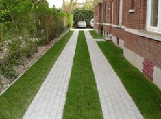 Grass Paving & Permeable Pavers for Driveways Permeable Driveway, Driveway Paving, Stone Driveway, Driveway Design, Driveway Landscaping, Concrete Driveways, Sod Installation, Grass Pavers, Landscape Design