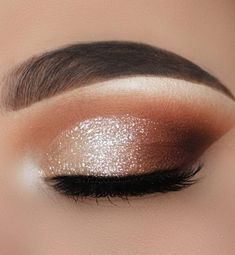 35 Hottest Eye Makeup Looks For Day And Evening , soft glam eye shadow #eyemakeup #makeup